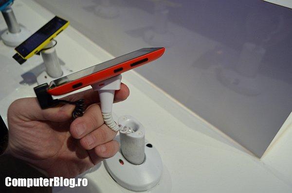 Nokia Lumia 520 Hands on cu noile telefoane Nokia: Lumia 720, 520   MWC